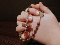 Spalio mėnuo skirtas Švč. M. Marijos Rožinio maldai